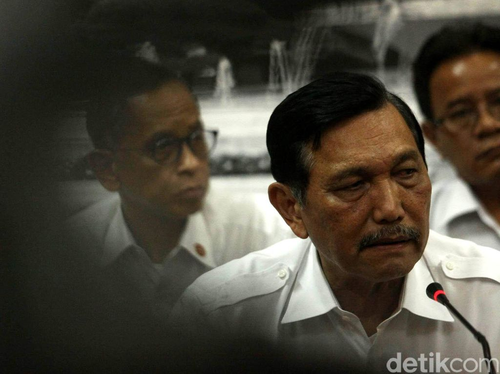 Luhut Setor 3 Nama ke Jokowi, Johny dan Fahrul Razi Calon Kuat