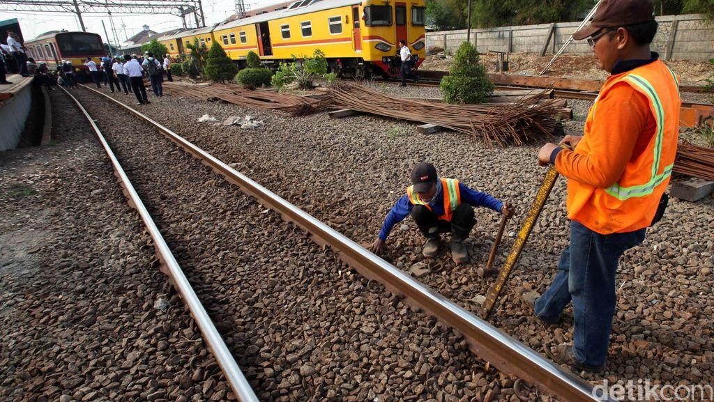 Rel Retak Ruas Bekasi-Cakung Masih Diperbaiki, Laju Kereta Sudah 20 Km/Jam