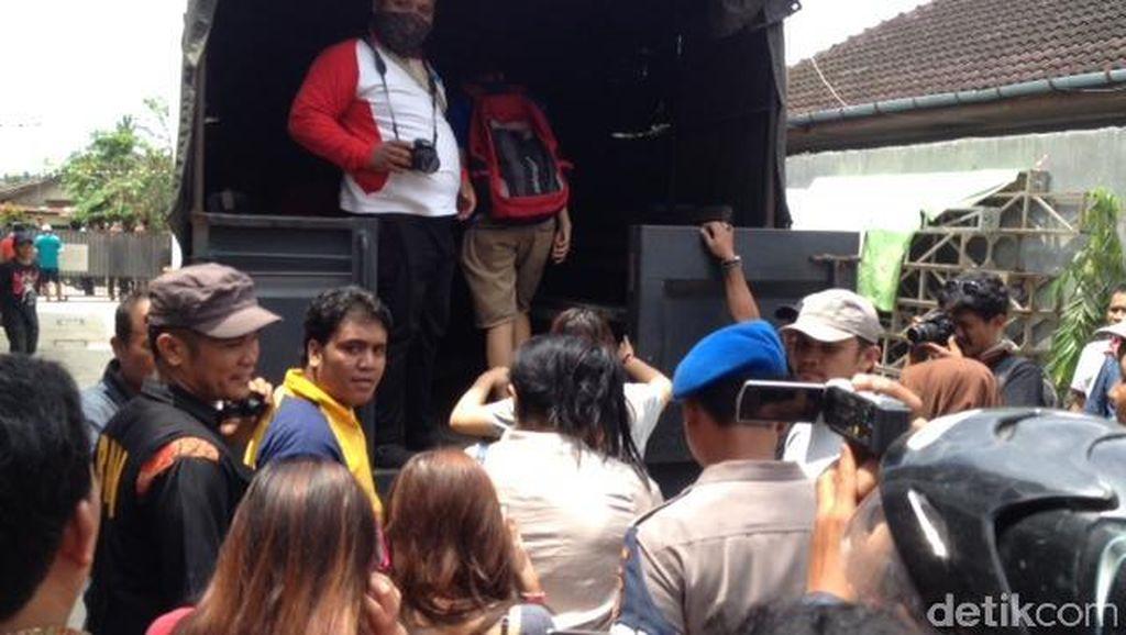 Razia Narkoba, 12 Wanita dan 4 Pria Diamankan dari Tempat Kos di Medan