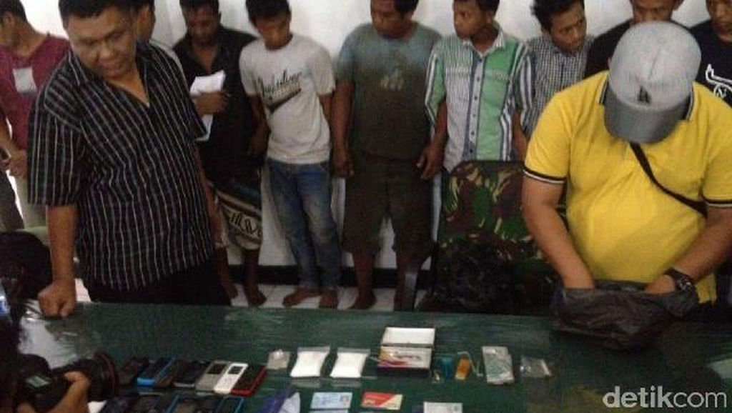 TNI Amankan 16 Orang dan 2 Ons Sabu di Medan