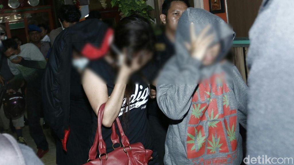 Hotel Melati di Makassar Dirazia, Ada 12 Orang yang Positif Narkoba