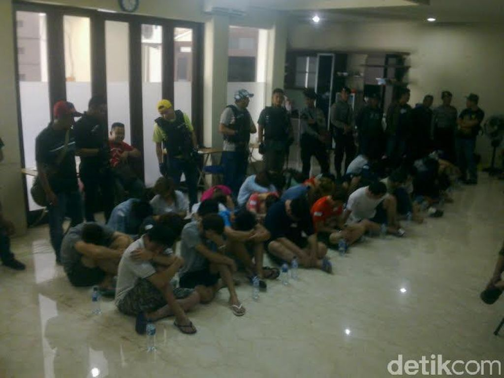 Polisi Selisik Otak Pelaku Sindikat Narkoba dan Cyber Crime di Bandung