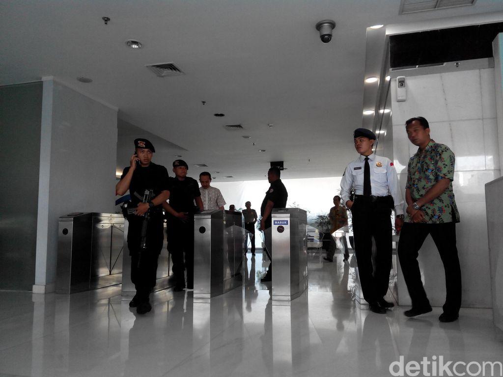 Polisi Geledah Kantor Pelindo II di Tanjung Priok