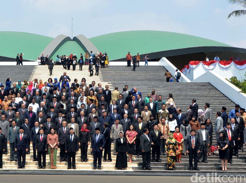 Tunjangan DPR Sudah Cair, Adakah Wakil Rakyat yang Mengembalikan?