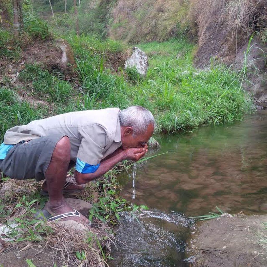 Mbah Sadiman Tak Lagi Sendiri, Pemerintah Siap Bantu Hijaukan Bukit