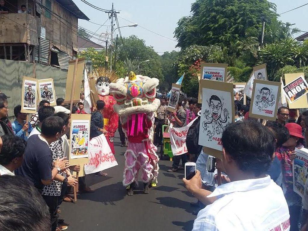 Begini Penampakan Aksi #LawanAhok di Depan Rumah Dinas Gubernur DKI