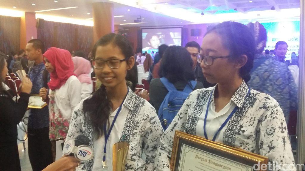 Sering Main ke Pantai, Dua Remaja Bali ini Temukan Khasiat Alga Hijau