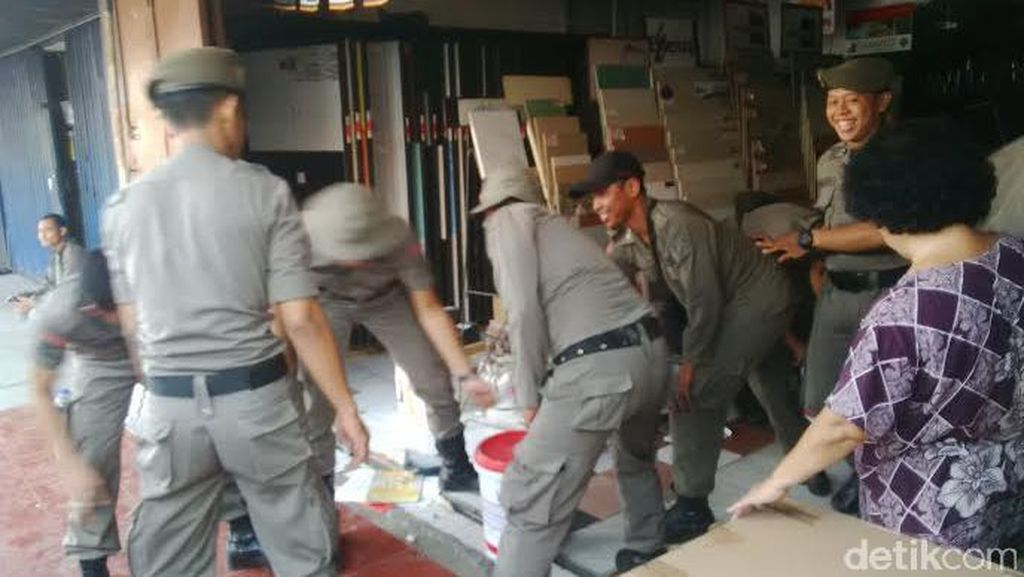 Tertib, Pembongkaran Ruko di Pasar Benhil Libatkan 1.200 Aparat