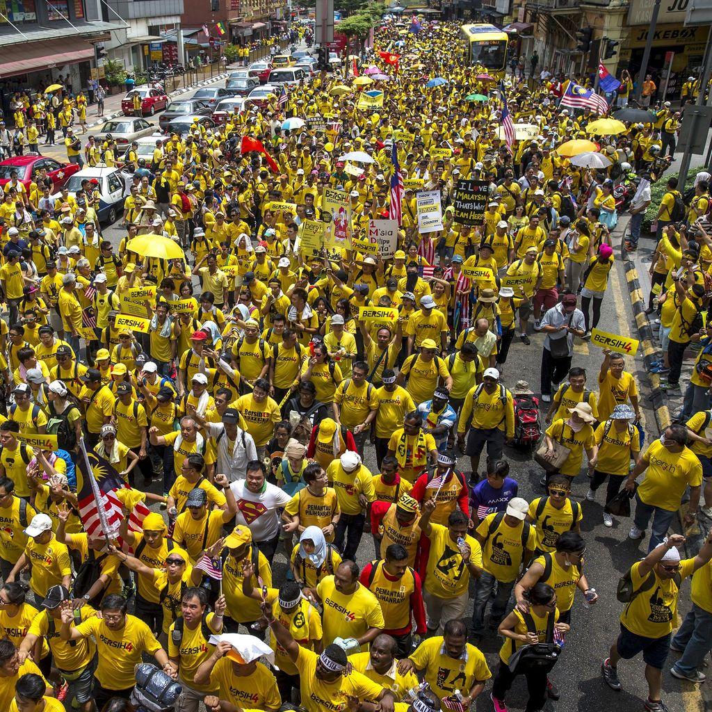 Liburan ke KL, Pria Jerman Ini Ingin Selfie dengan Demonstran Bersih 4.0