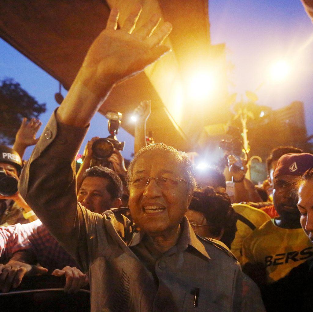 Kabinet Malaysia Silang Pendapat Soal Kehadiran Mahathir di Bersih 4.0