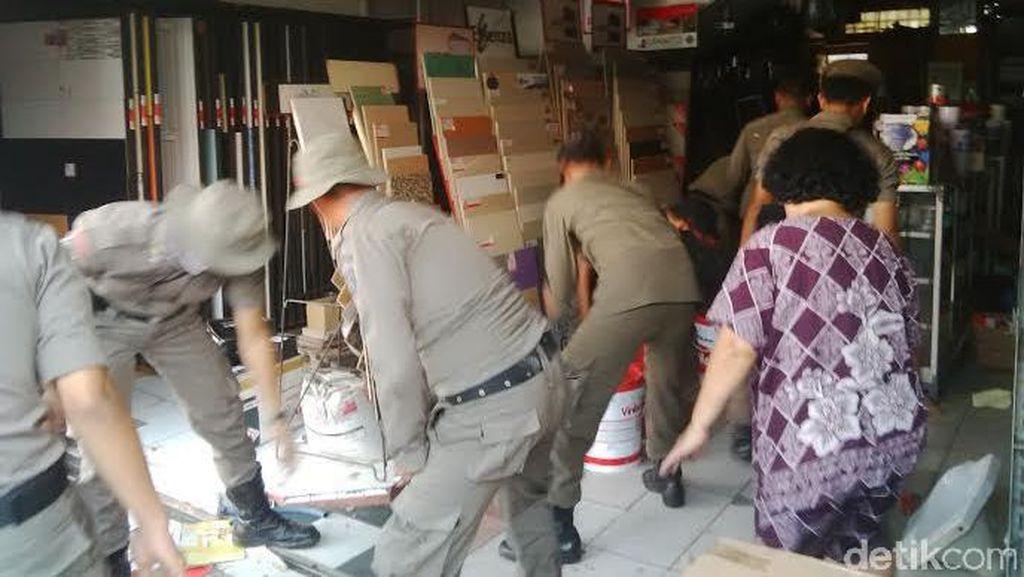 Ruko-ruko di Pasar Benhil Dibongkar karena Masa Sewa Sudah Habis