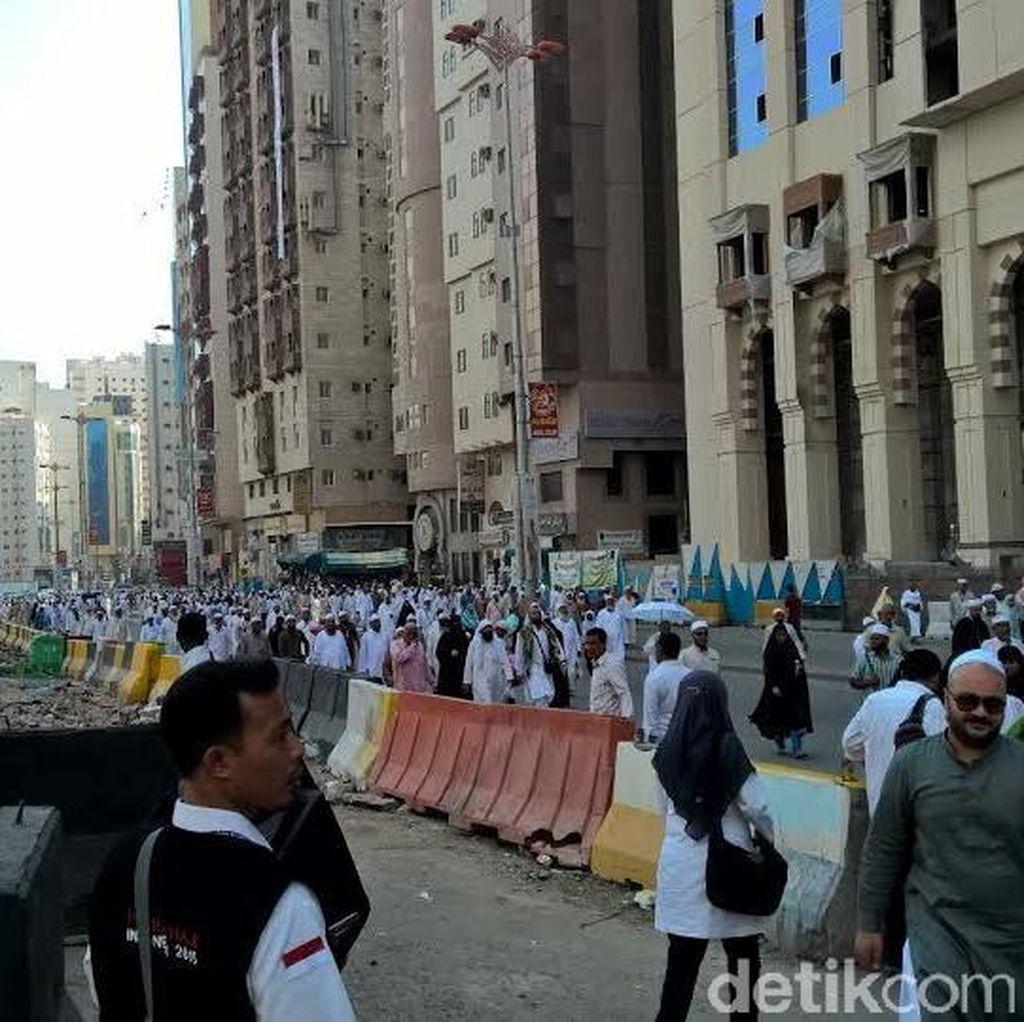 Petugas Haji Siapkan Truk untuk Oleh-oleh Jemaah dari Madinah ke Makkah