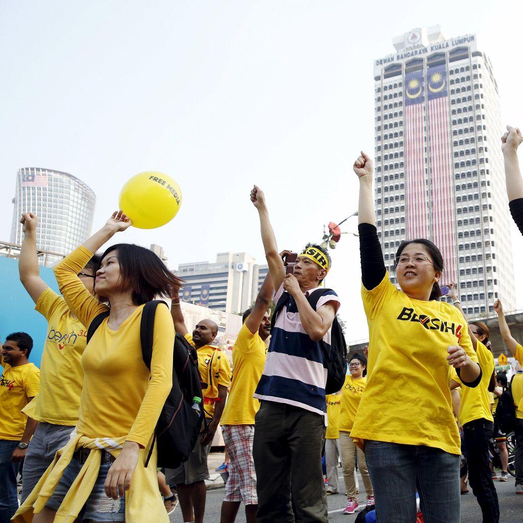 Kepolisian Malaka Tangkap 12 Orang yang Kenakan Kaus Bersih 4.0