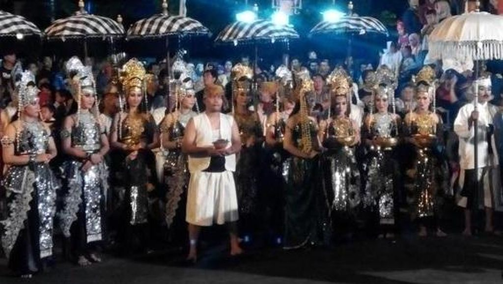 Festival Budaya Dunia Hipnotis Masyarakat Purwakarta