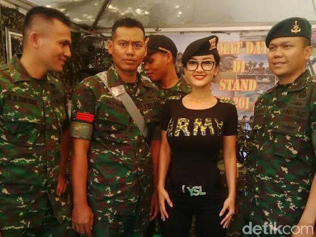 Saat Jupe Jadi Idola di Pameran Alutsista: Cita-citaku Jadi Jihandak TNI