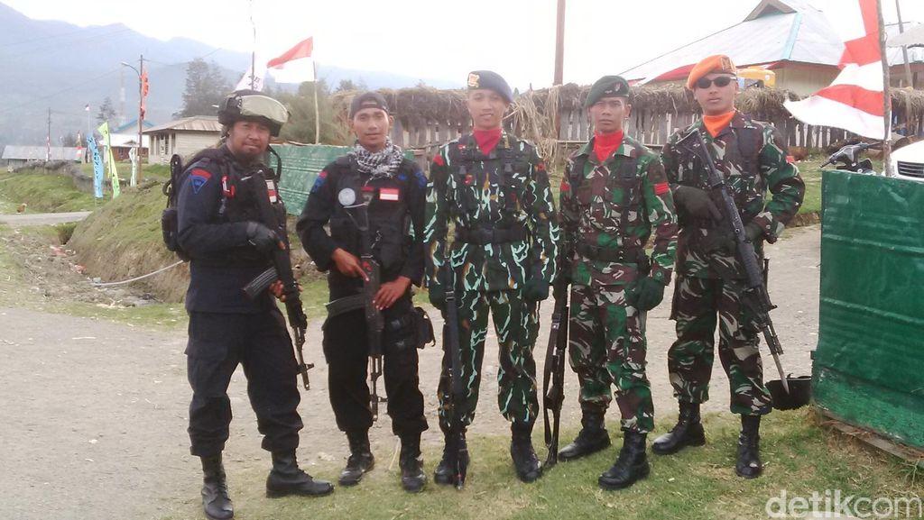 Tengok Personel TNI-Polri di Pedalaman Papua, Kompak Tunaikan Tugas Negara