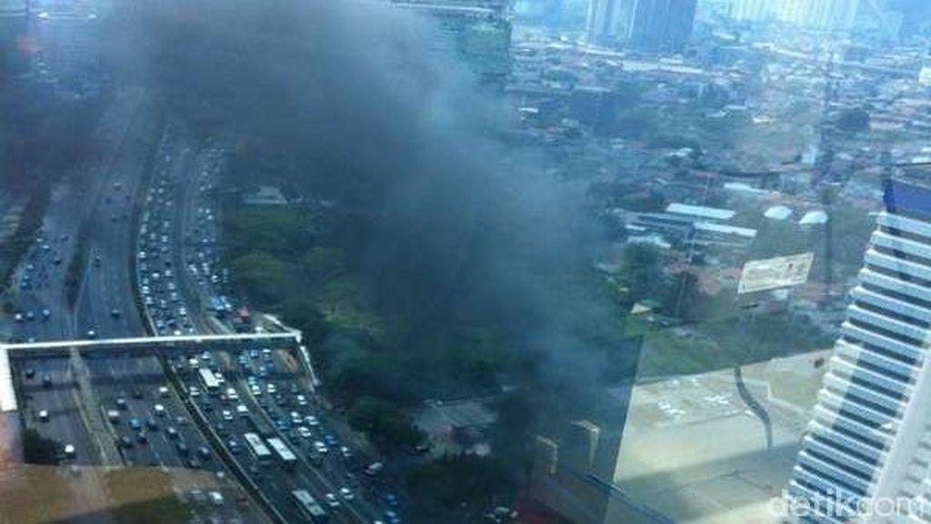 Kebakaran Terjadi di Pom Bensin Jl Gatot Subroto