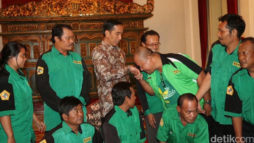Rupa-rupa Keluhan Para Sopir ke Jokowi, dari Tilang hingga KIS