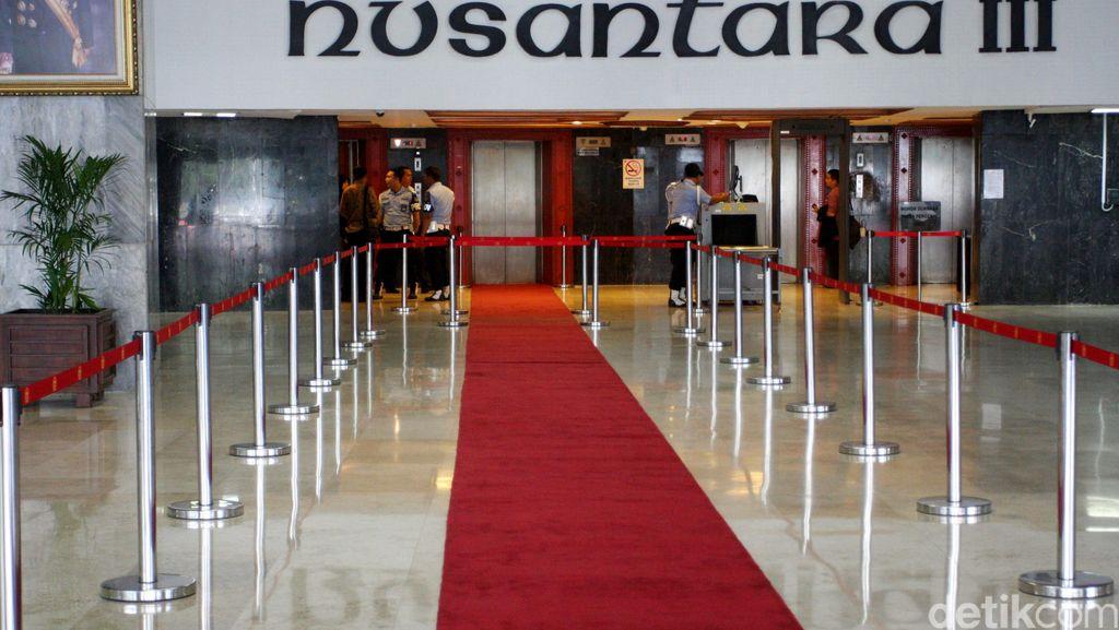 Pimpinan MPR Surati DPR, Minta Karpet Merah di Parlemen Dicopot