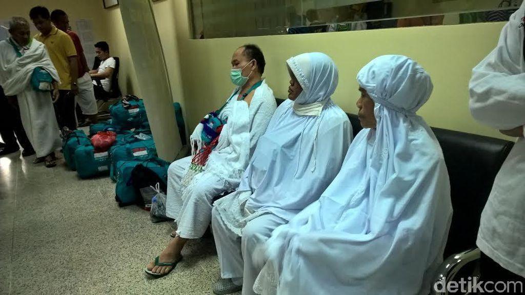 Sempat Terpisah di Madinah, 12 Jemaah Haji JKG-2 Tiba dengan Selamat di Makkah
