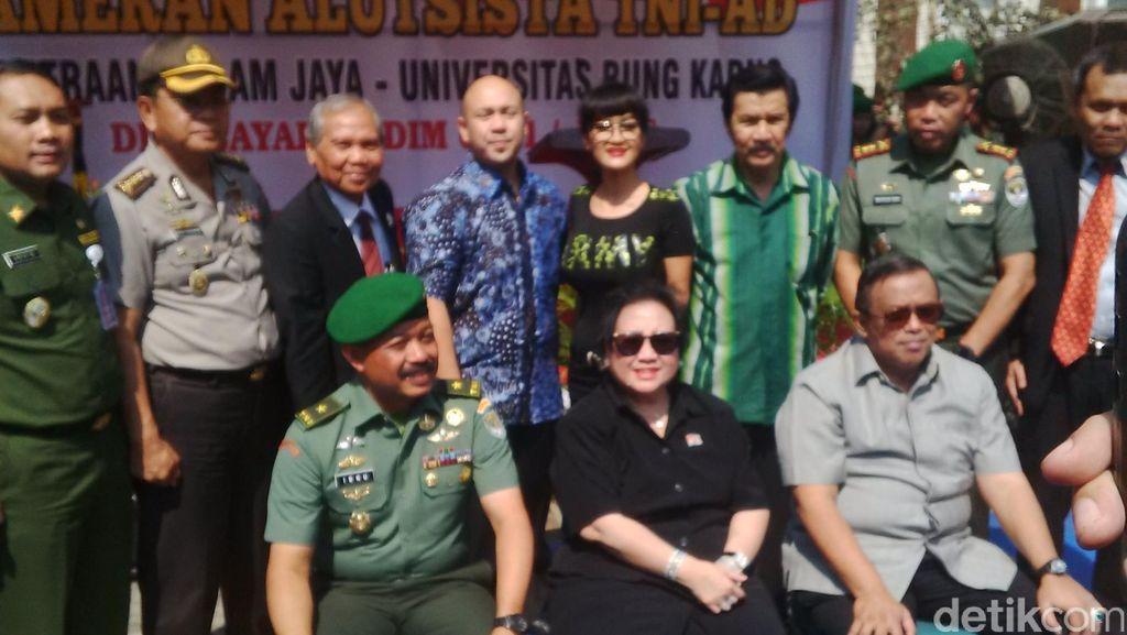 Rachmawati akan Berikan Beasiswa Kuliah di UBK Untuk Prajurit Kodam Jaya