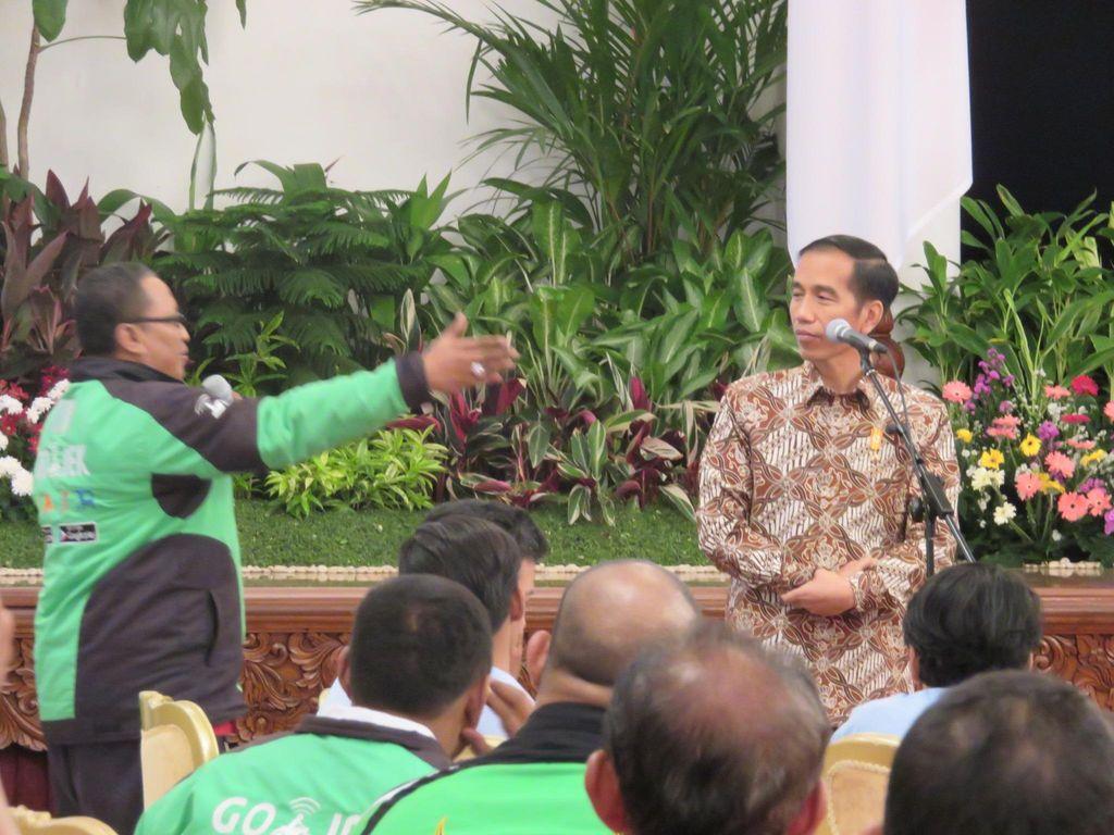 Makan Siang Jokowi dengan Driver Go-Jek Cs Berawal dari Bisikan di Tanah Tinggi