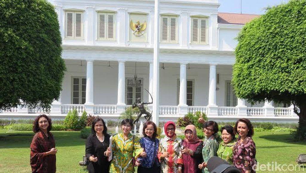 Bawa Map Putih, Pansel KPK Laporkan 8 Nama Capim ke Presiden Jokowi