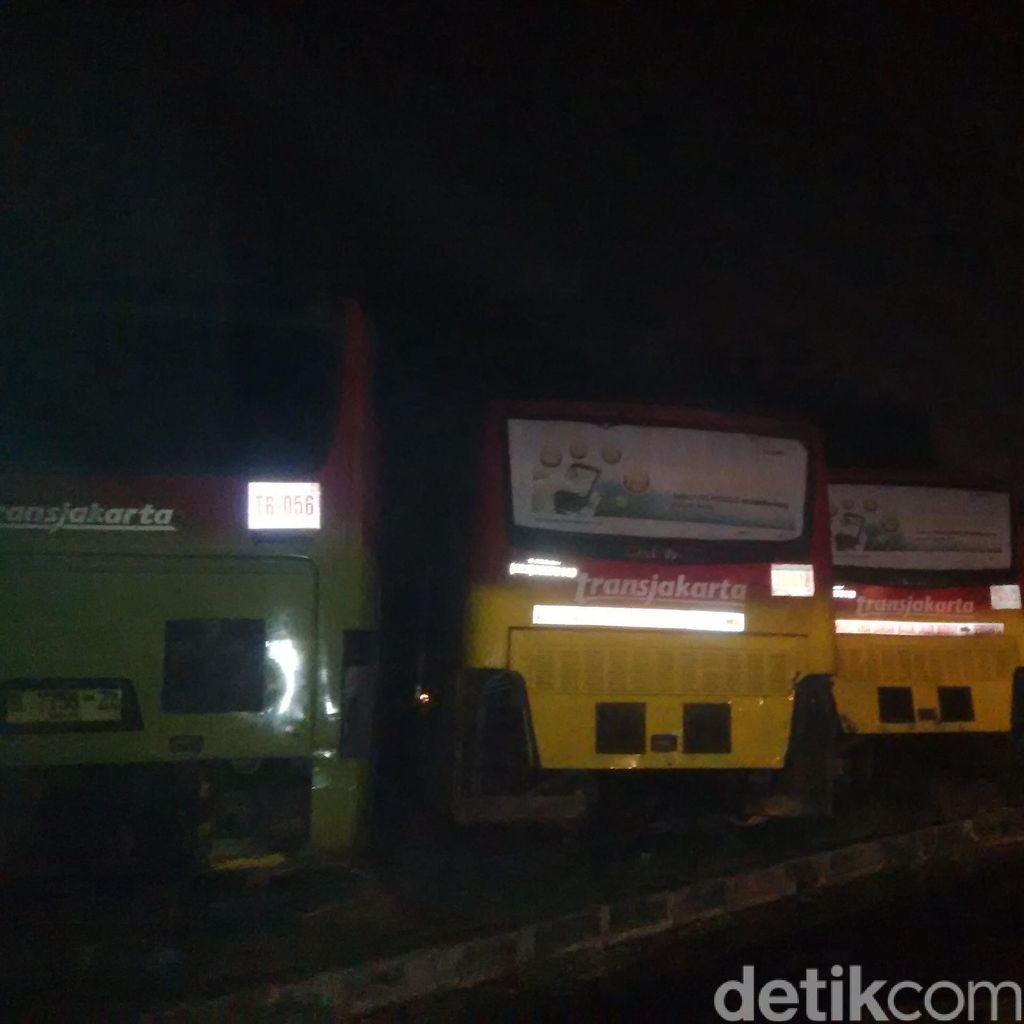 Puslabfor Polri Pagi ini Olah TKP Kebakaran di Pul Operator TransJ