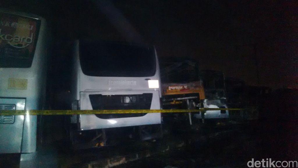 Kebakaran di Pool Rawa Buaya, PT Trans Batavia: 18 Bus Terbakar