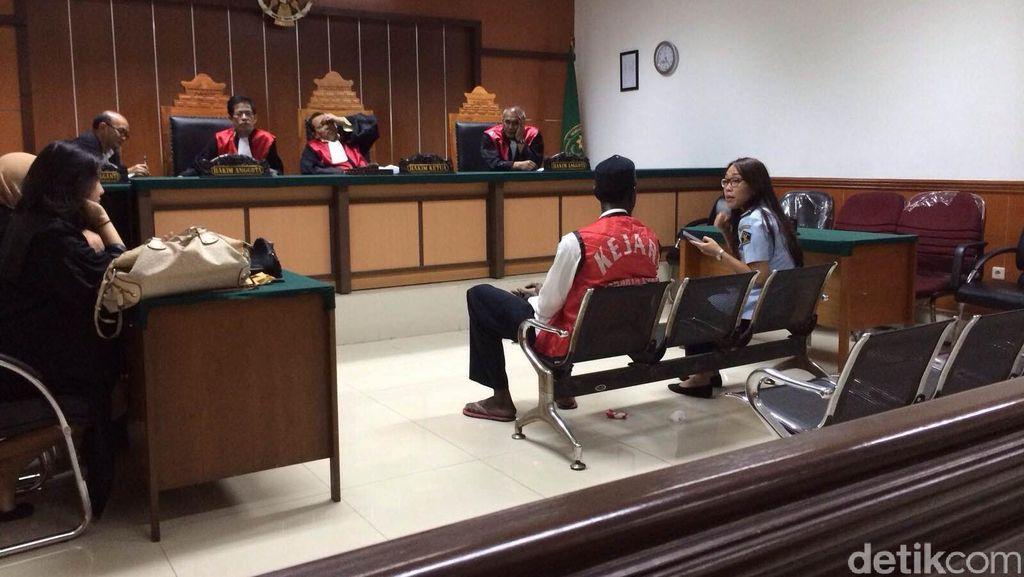 Tak Punya Paspor, 2 WNA Divonis 1 Tahun 4 Bulan Penjara