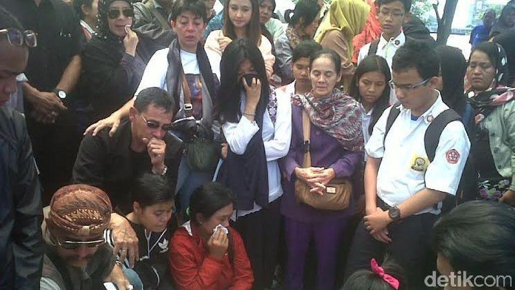 Sosok Siswi SMP yang Tewas Dipalu di Mata Guru dan Teman Sekolahnya