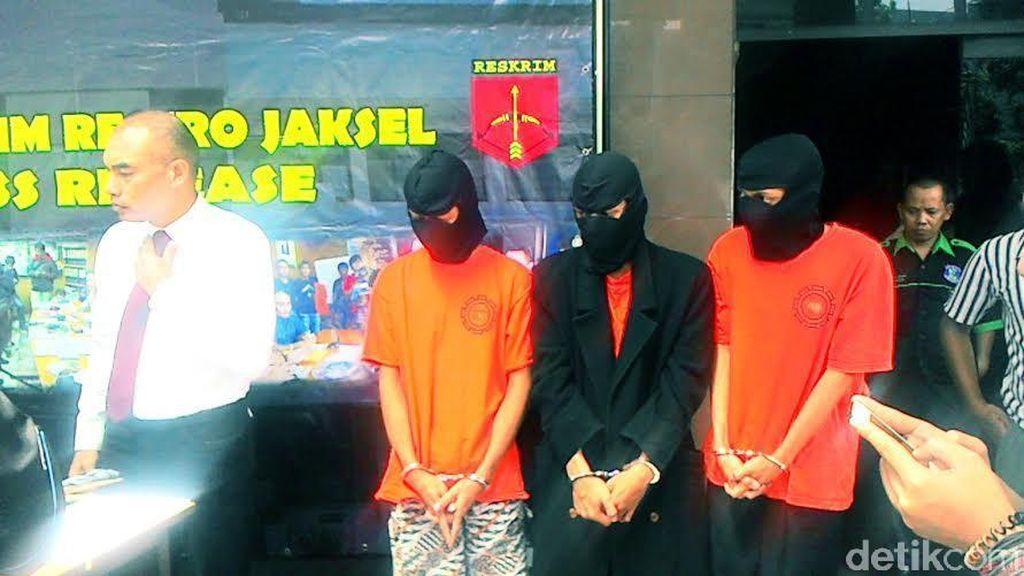 Polres Jakarta Selatan Bekuk 3 Orang Begal Sadis Berjubah Hitam