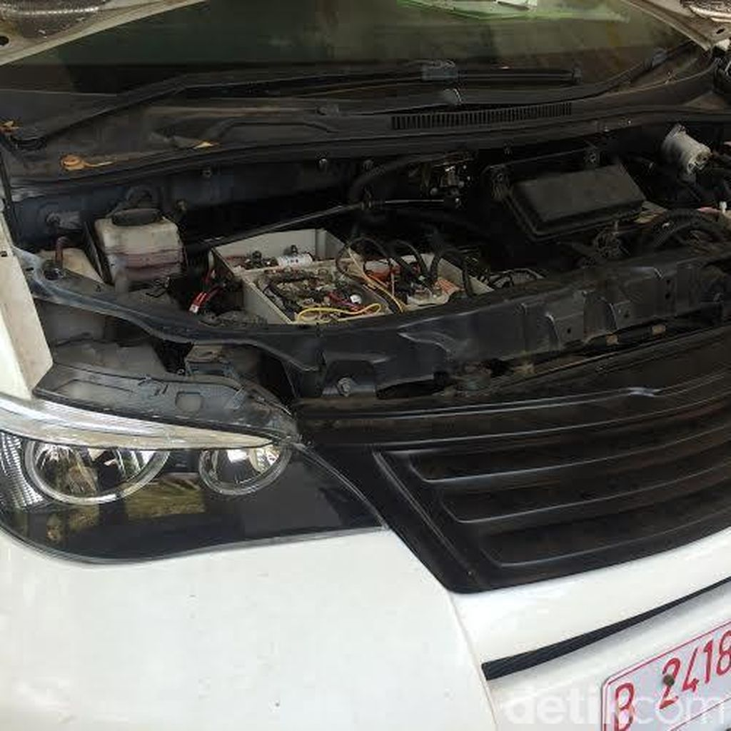 Kejagung Bongkar Mobil Listrik untuk Meminta Pendapat Ahli