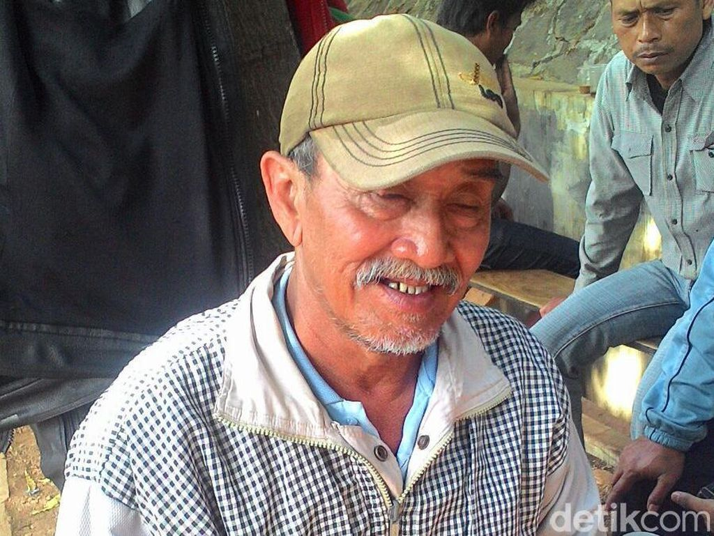 Pak Saleh, Tukang Ojek Baik Hati yang Buat Orang Berpaling dari Ojek Online