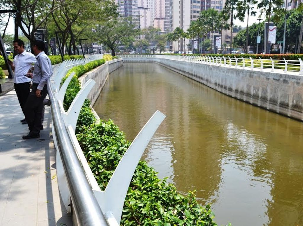 Sungai Keren dan Bersih di Dekat Epicentrum Dikelola Swasta