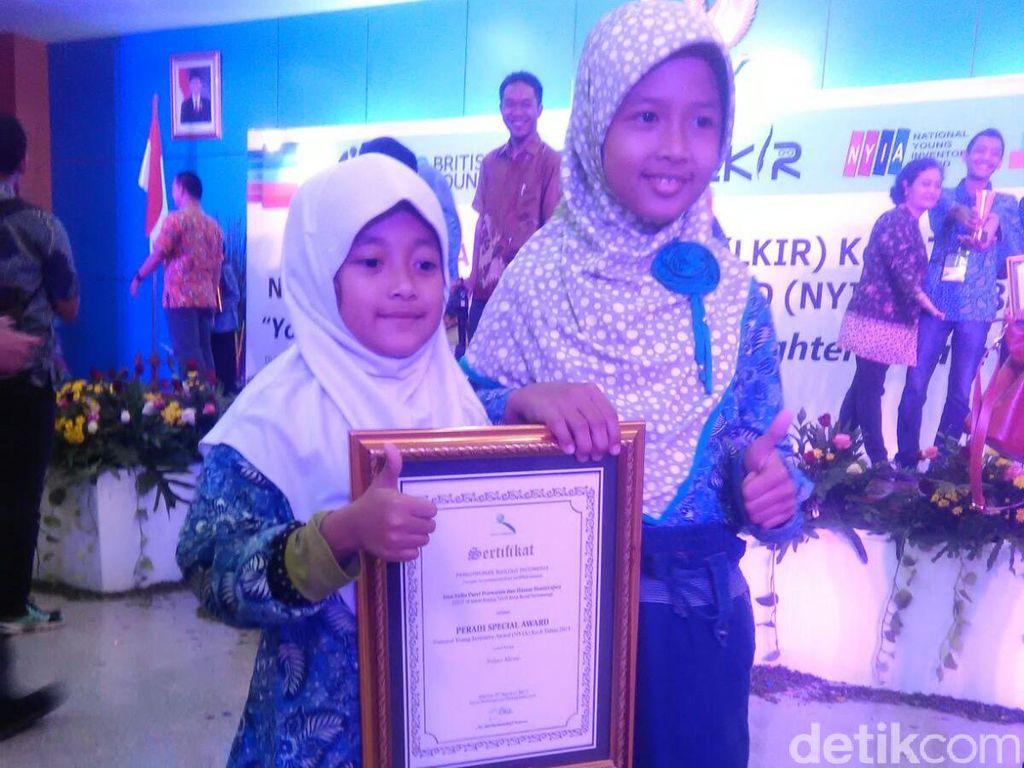 Salut! 2 Siswi SD Ini Dapat Award karena Ciptakan Alat Bantu Tetes Mata