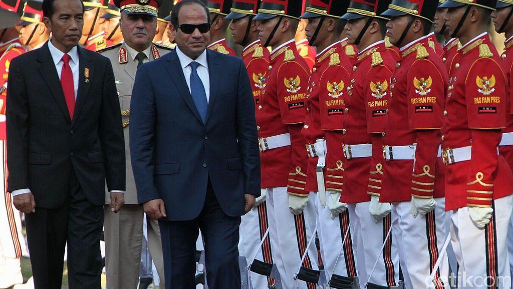 Ini Tanggapan Menlu Soal Ada Massa yang Protes Kedatangan Al-Sisi