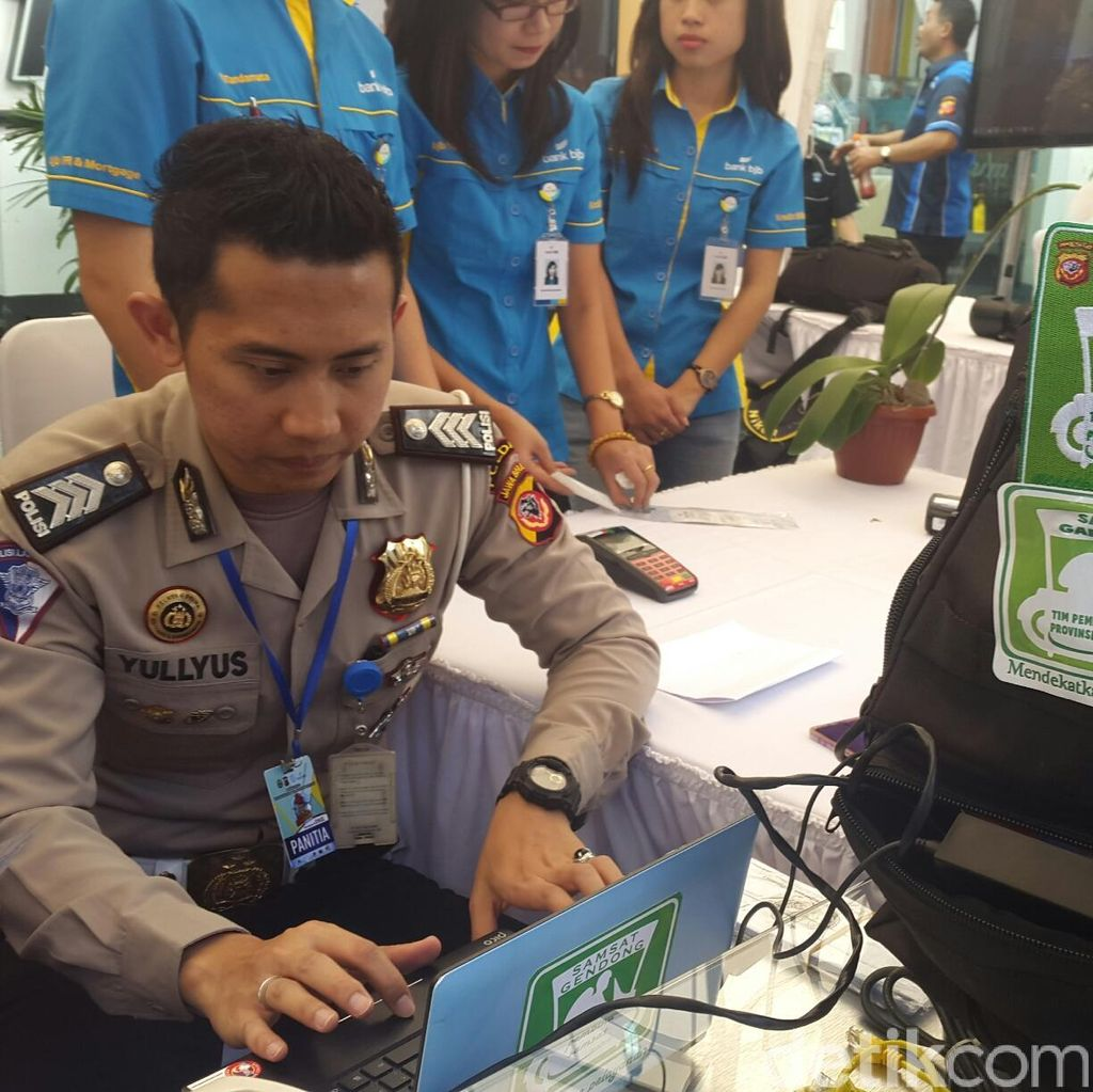 Pertama di Indonesia, Samsat Gendong Jemput Wajib Pajak Kemana-mana