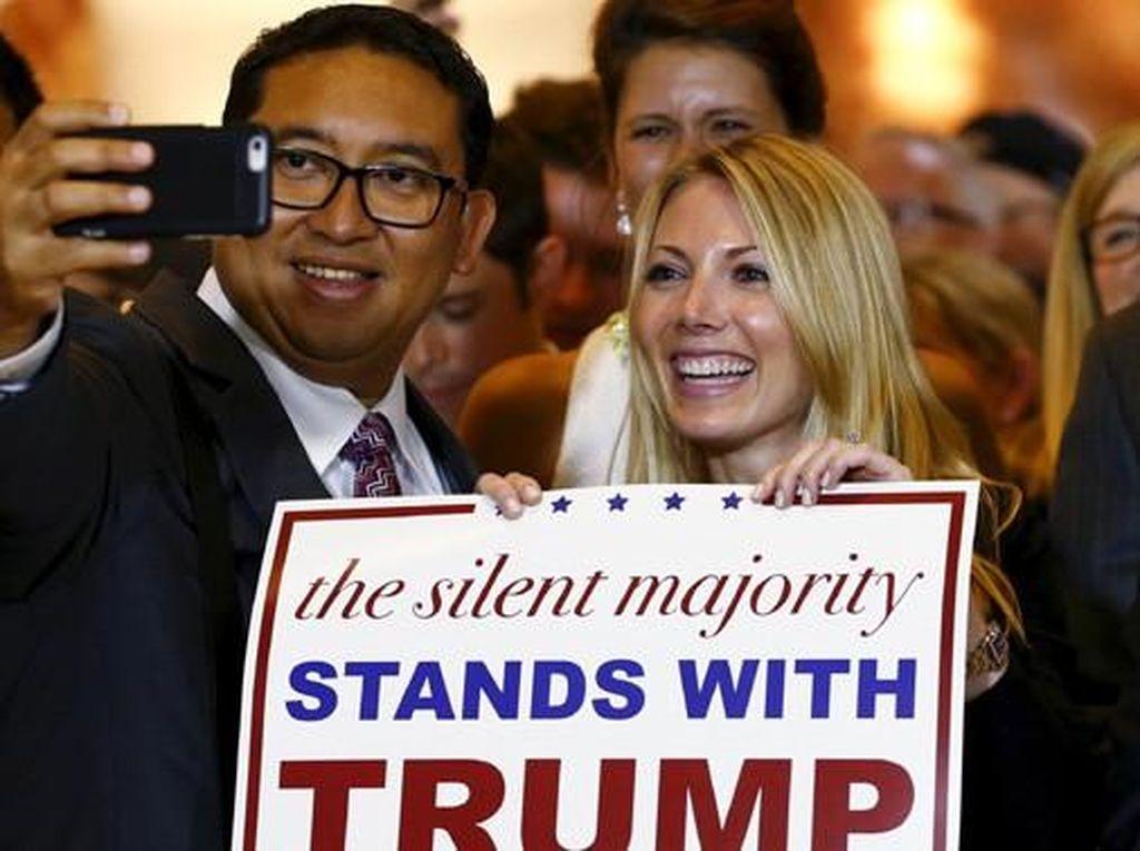 Saat Fadli Zon Selfie Ria dengan Wanita Pendukung Kampanye Donald Trump