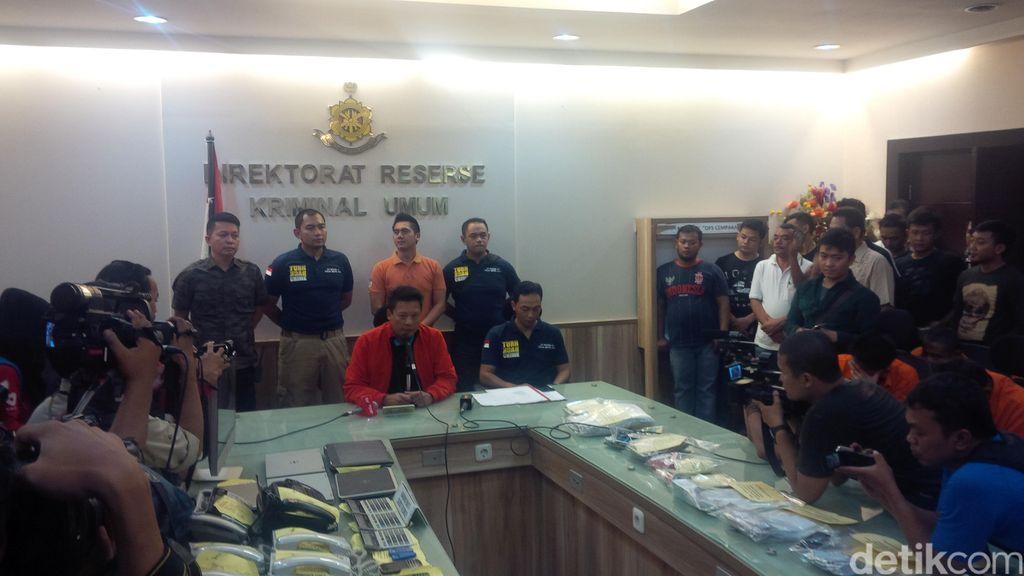 Polisi Ciduk 24 Orang Tersangka Judi Bola Online Beromset Rp 51 M