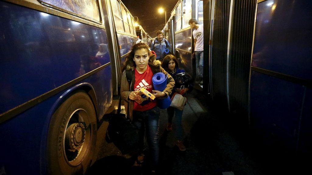 Austria Sambut Bus Pertama yang Bawa Imigran dari Hungaria
