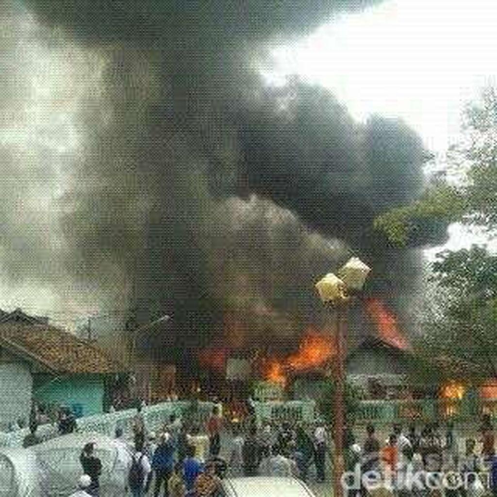 Warung Kelontong di Duren Sawit Ikut Terbakar, Penyebabnya Korsleting Listrik