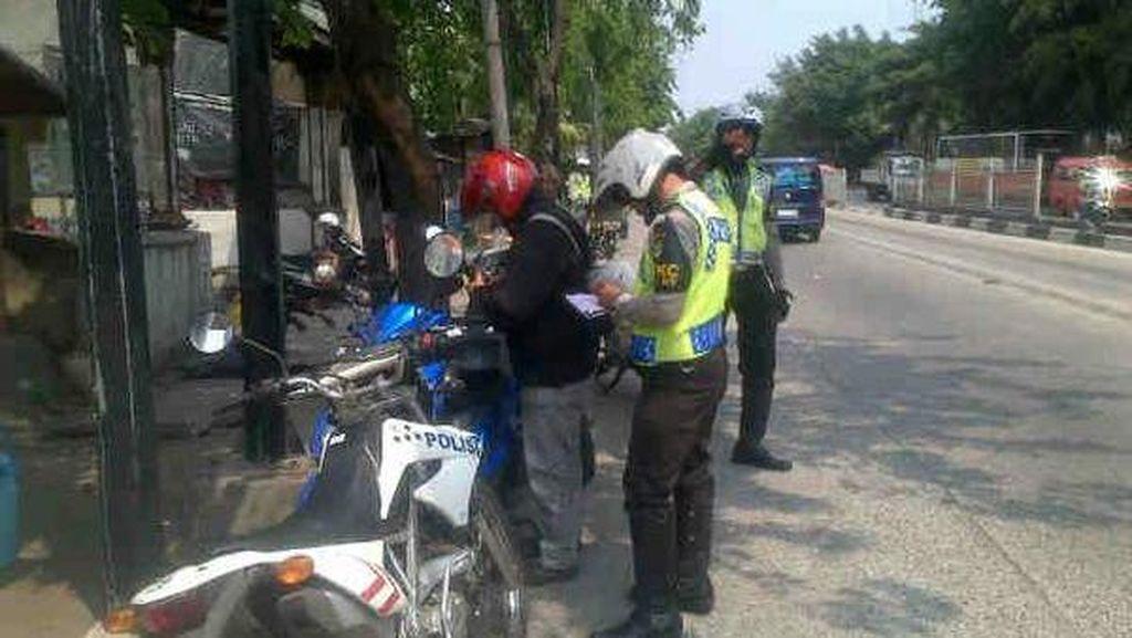 Polisi Tegas, Para Pemotor Lawan Arus di Sejumlah Jalan di Jakarta Tak Berkutik