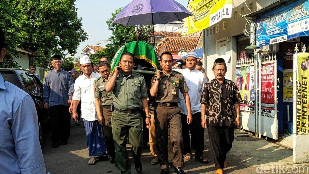Tekad Dulman Jaga Hutan dari Kebakaran Agar Bisa Jadi Rumah Badak Jawa