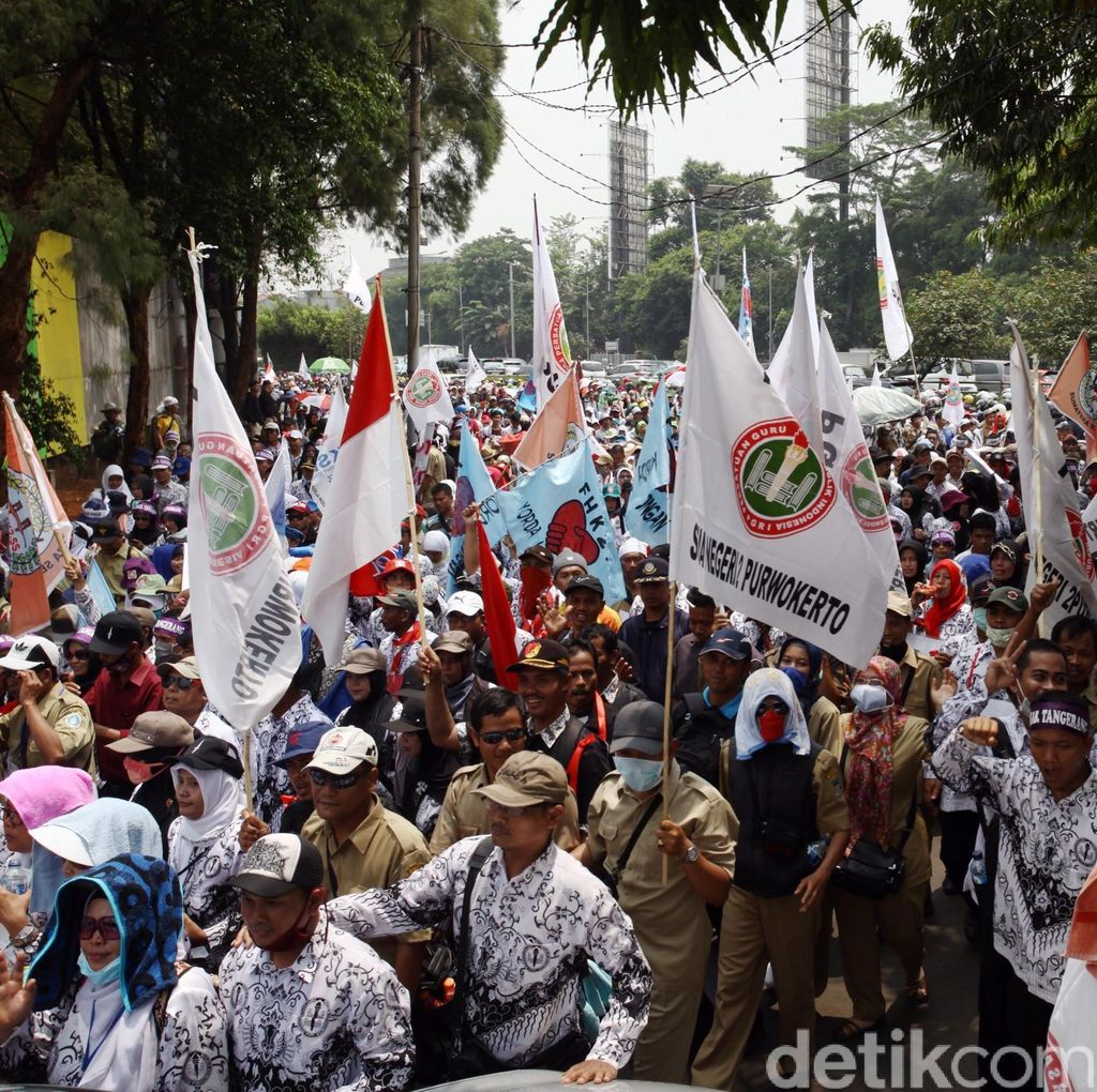 Pagi ini Pegawai Honorer Demo, Polisi Lakukan Pengamanan Ketat