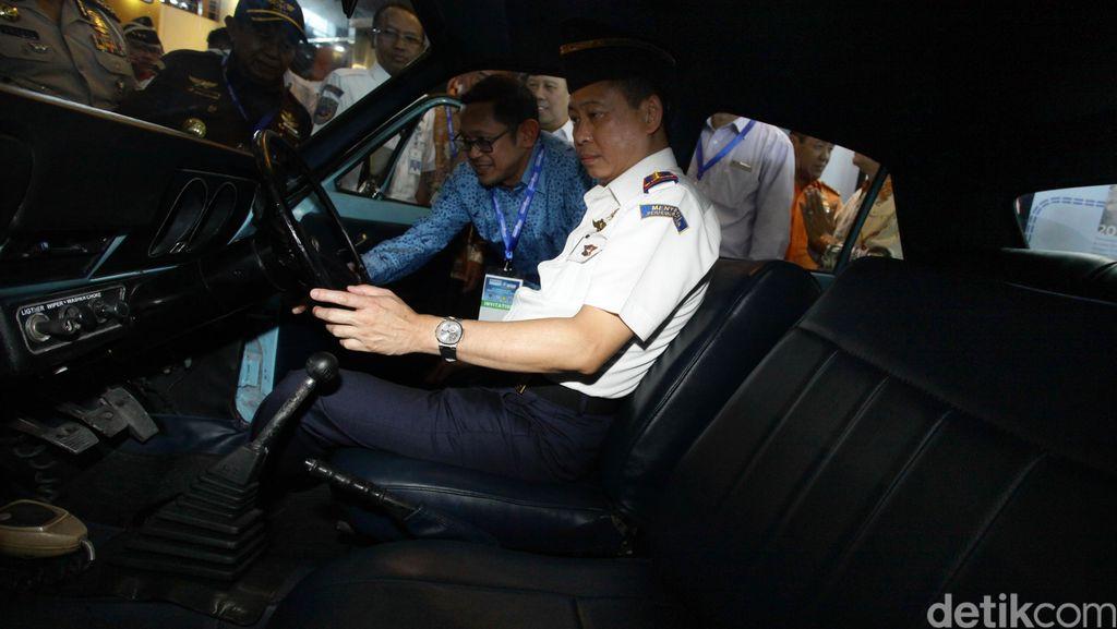 Lion Air Delay 6 Jam, Menhub Jonan: Maskapai Disanksi Peringatan 1