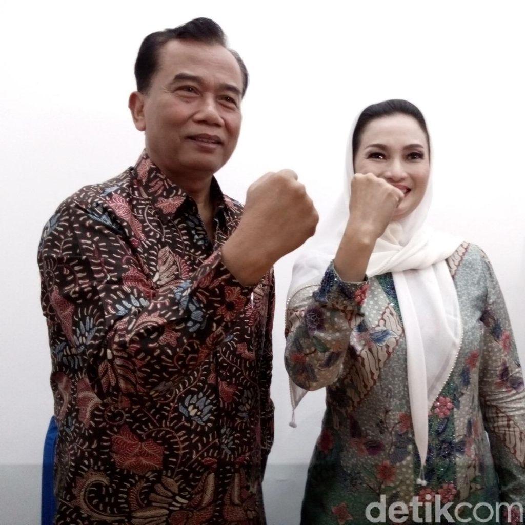 Mantan Pengurus PDIP Surabaya Dukung Rasiyo-Lucy Kurniasari