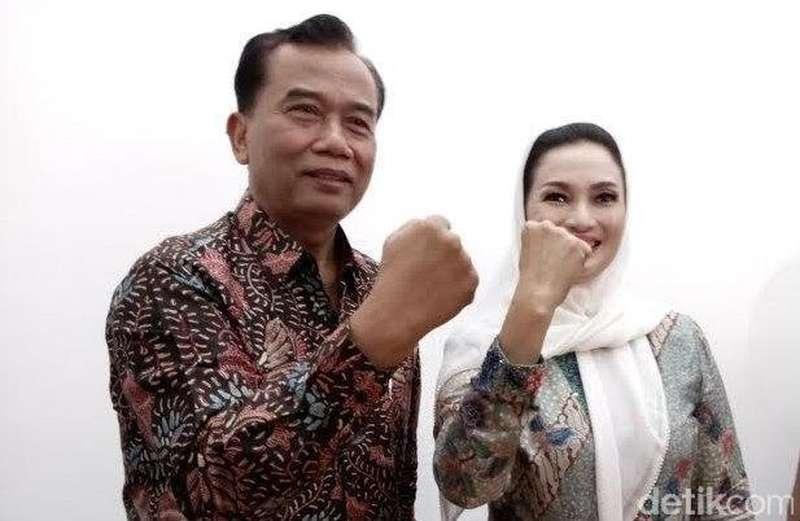 Panwas Pilwalkot Surabaya Minta Tim Rasiyo Patuh soal Atribut Kampanye