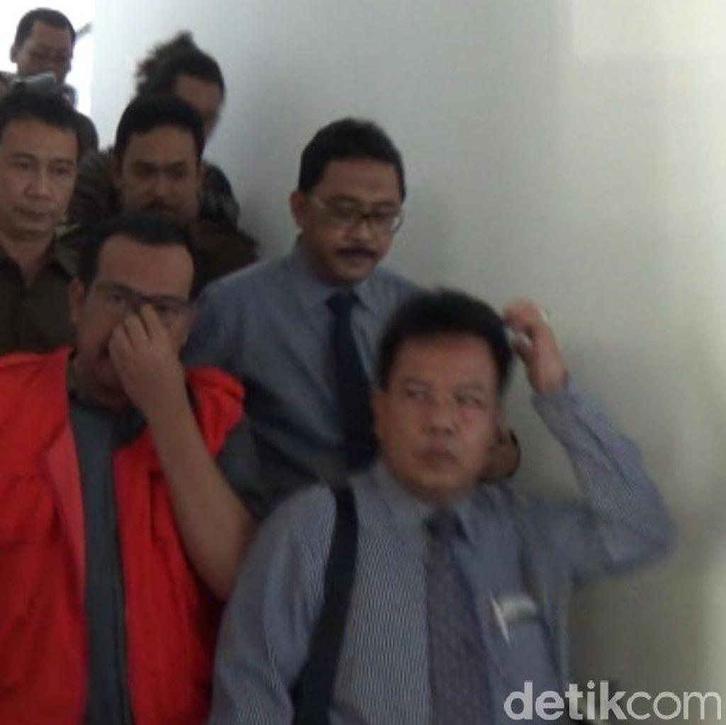 Mantan Kabiro Keuangan Jateng Ditahan Kejaksaan terkait Kasus Bansos