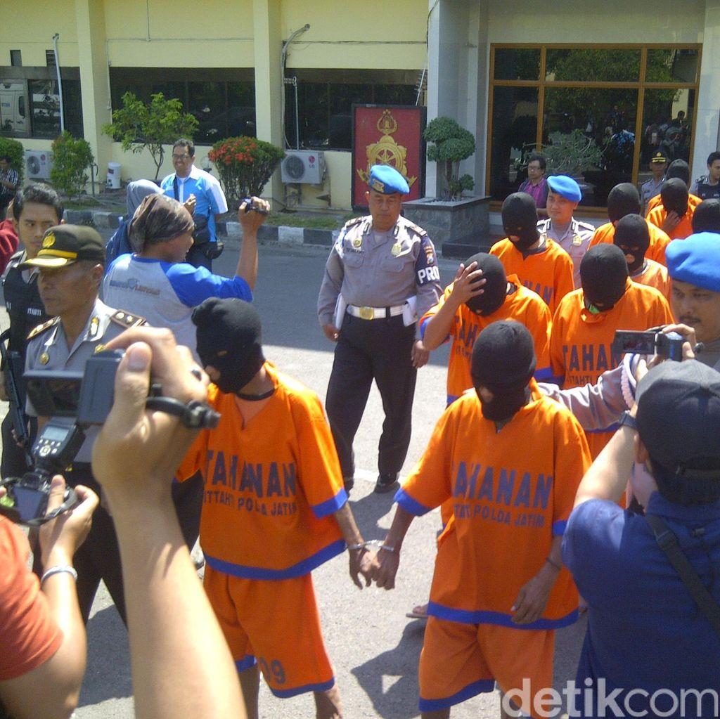 Polda Jatim Tetapkan 31 Tersangka Kasus Pembunuhan dan Penambangan Liar